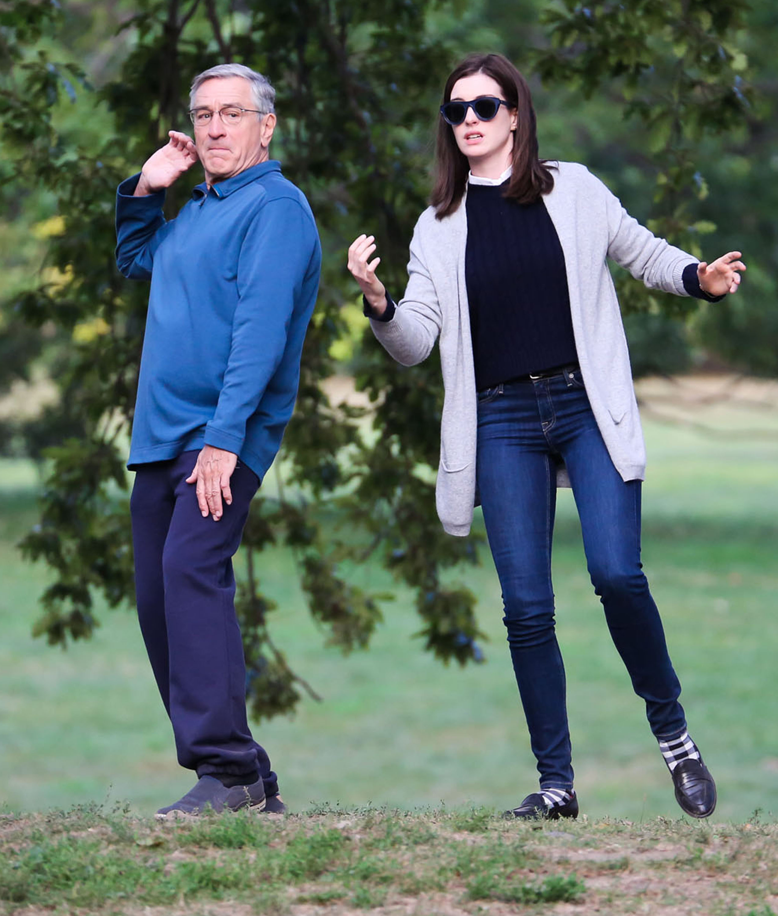 51527584 Actors Robert De Niro and Anne Hathaway doing Tai Chi on the set of 'The Intern' in New York City, New York on September 9, 2014. Both actors looked completely lost during the scene. FameFlynet, Inc - Beverly Hills, CA, USA - +1 (818) 307-4813